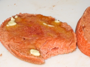 Beetroot bread roll - buttered