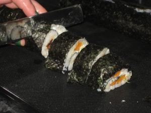 Cutting the sushi