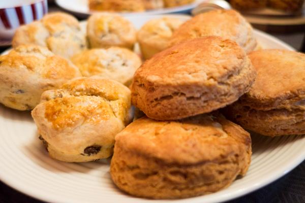 Earl grey scones & vanilla scones