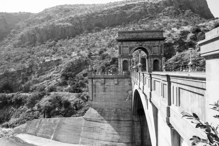 Hartebeespoort Dam wall